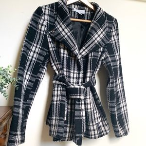 Plaid Jacket with Front Tie